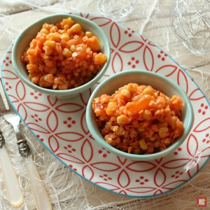 LInsensalat mit Aprikosen, gelber Paprika und Mais